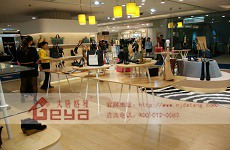 吸引顾客的商场展柜—南京大唐格雅展柜