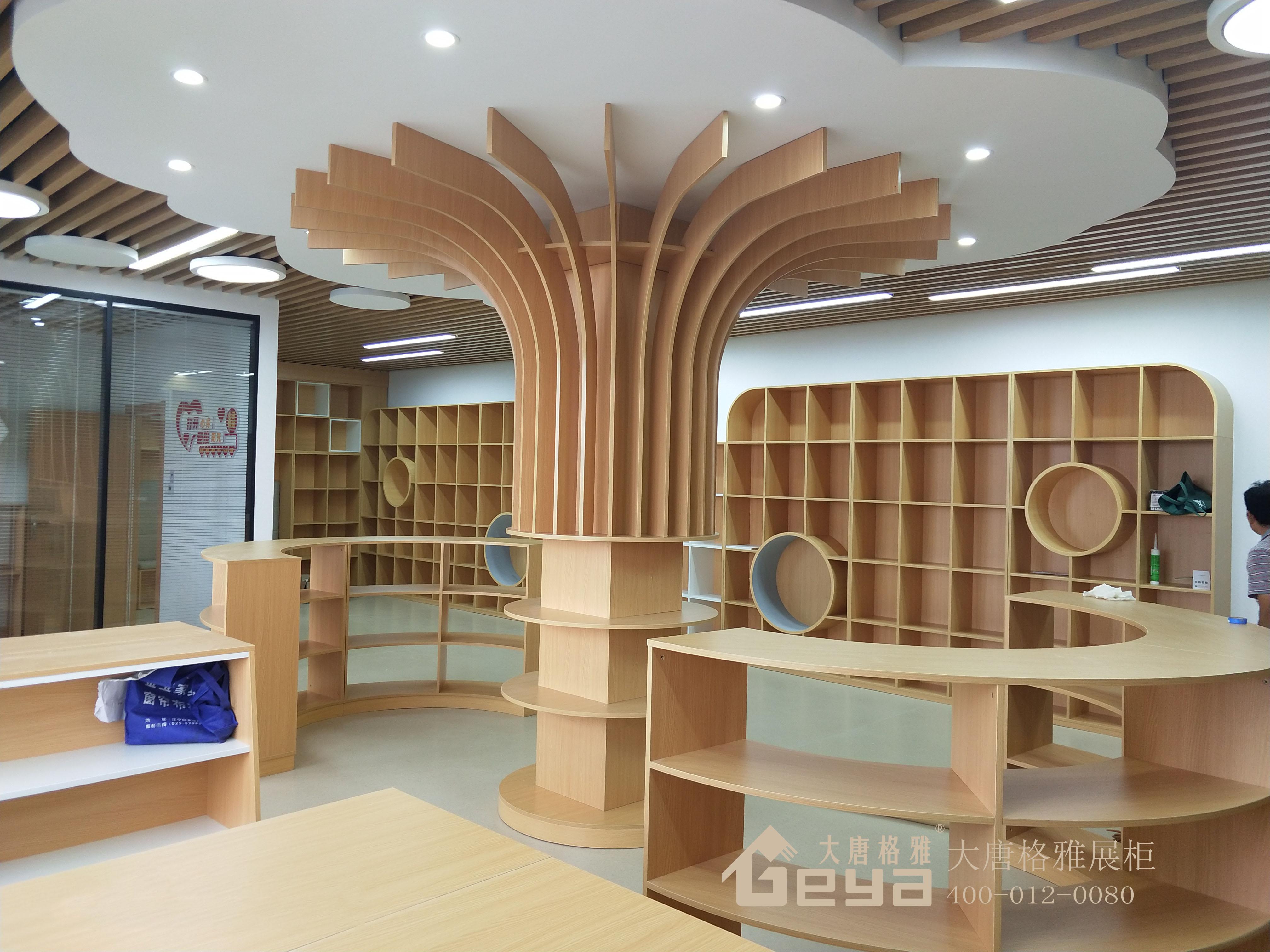 木质展柜怎么保养?