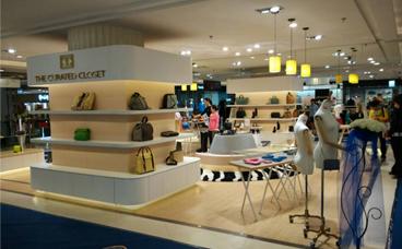 鞋包展柜-金鹰国际