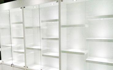 南京展柜制作厂家 箱包展柜